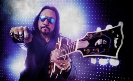 Ace Frehley (Frehley's Comet)